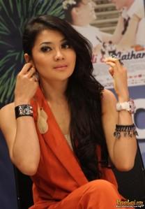 10 Wanita  Tercantik  di  Indonesia Arnasyitha Yulianti